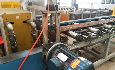 Bulldozer blade quenching tempering line